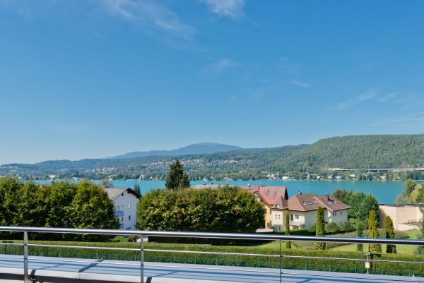 Seeblick Penthouse Wörthersee in Auen