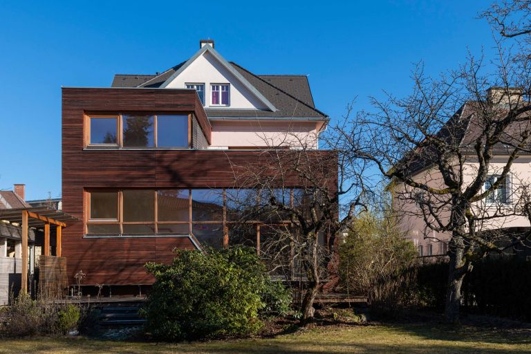 Kreuzbergl:  Villa with spacious ground in a fantastic location